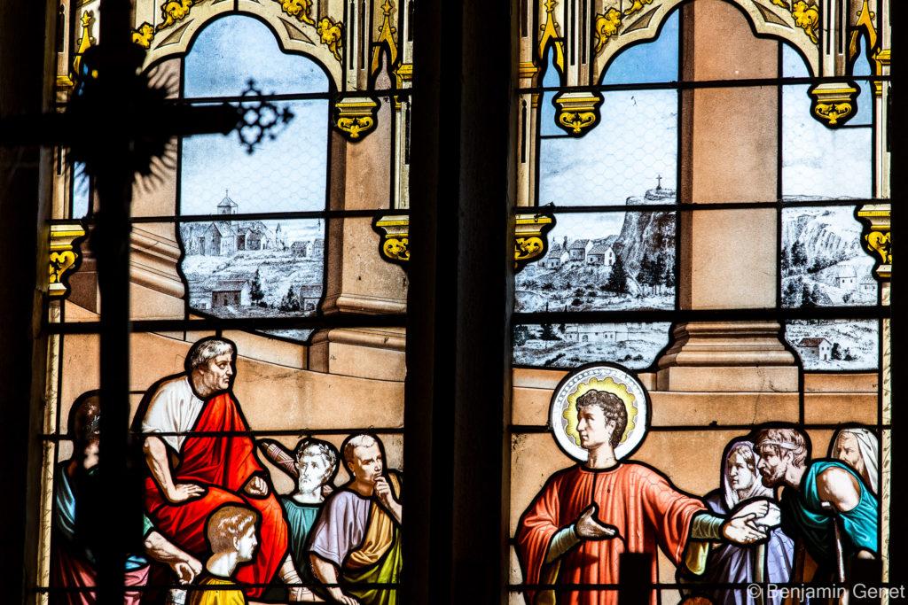 Vitrail du choeur de l'église de Saint-Laurent-la-Roche